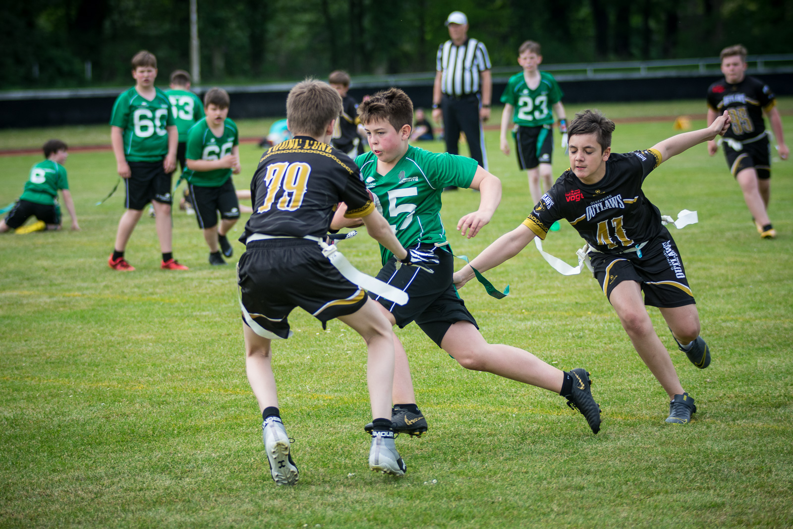 https://www.oldenburgknights.de/wp-content/uploads/2019/11/knights-flags-outlaws-young-gunz-0322.jpg